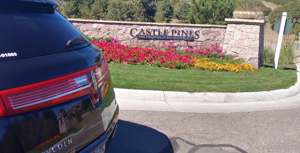 Denver Airport to Castle Pines Private Car. Lincoln Town Car, Airport Shuttle