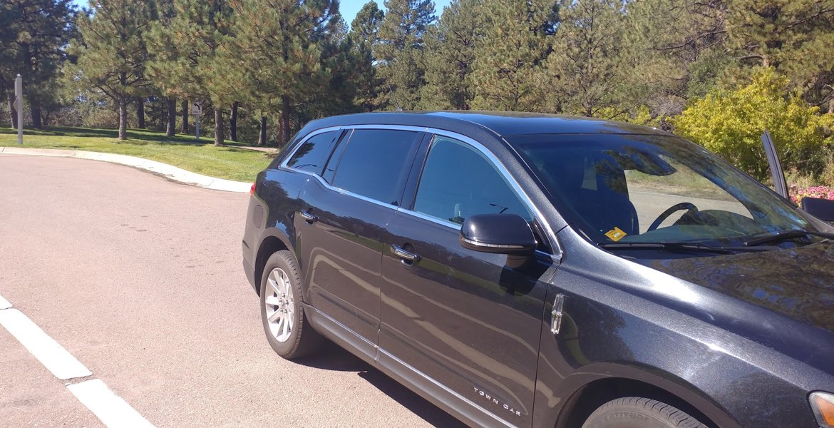 Denver Airport to Castle Pines Transportation, Lincoln Town Car