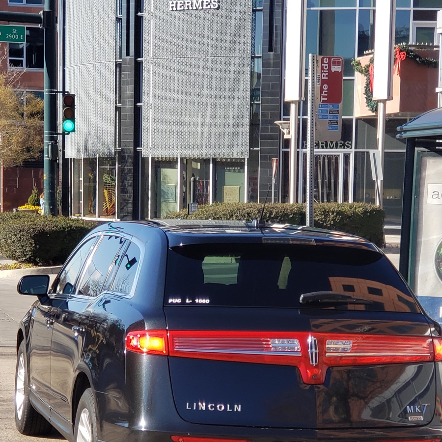 Denver Airport to Cherry Creek luxury sedan