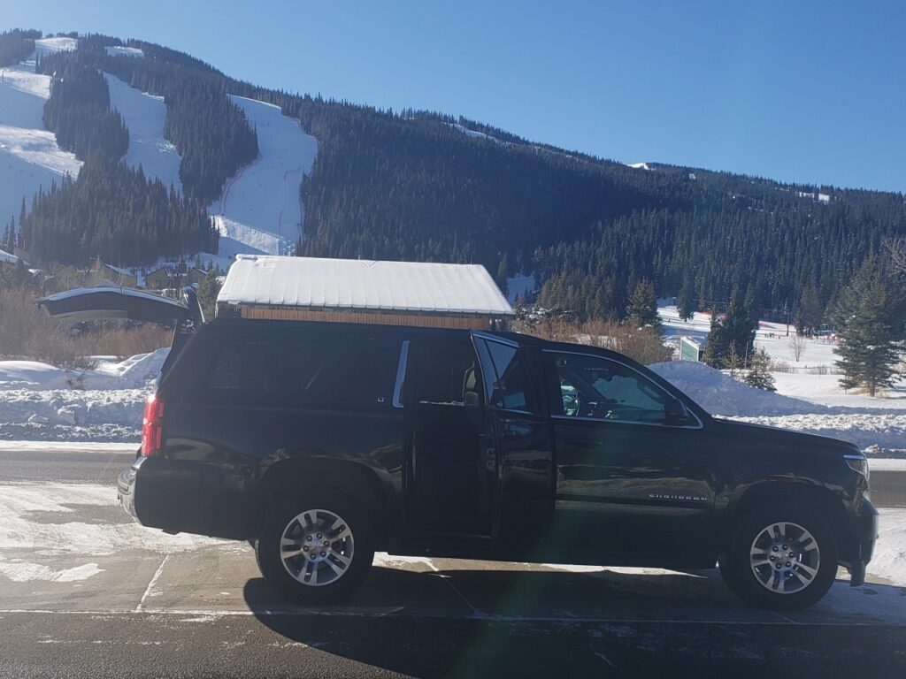 black SUV ride to Copper Mountain from Denver Airport